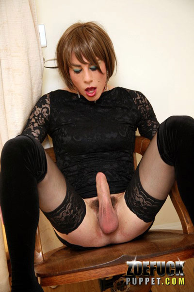 Zoe Fuck Puppet is one Slutty British Tgirl!