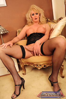 TS Alison Dale on All-American Trannies!
