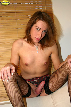 British Tgirl Alison - Shemale Yum!