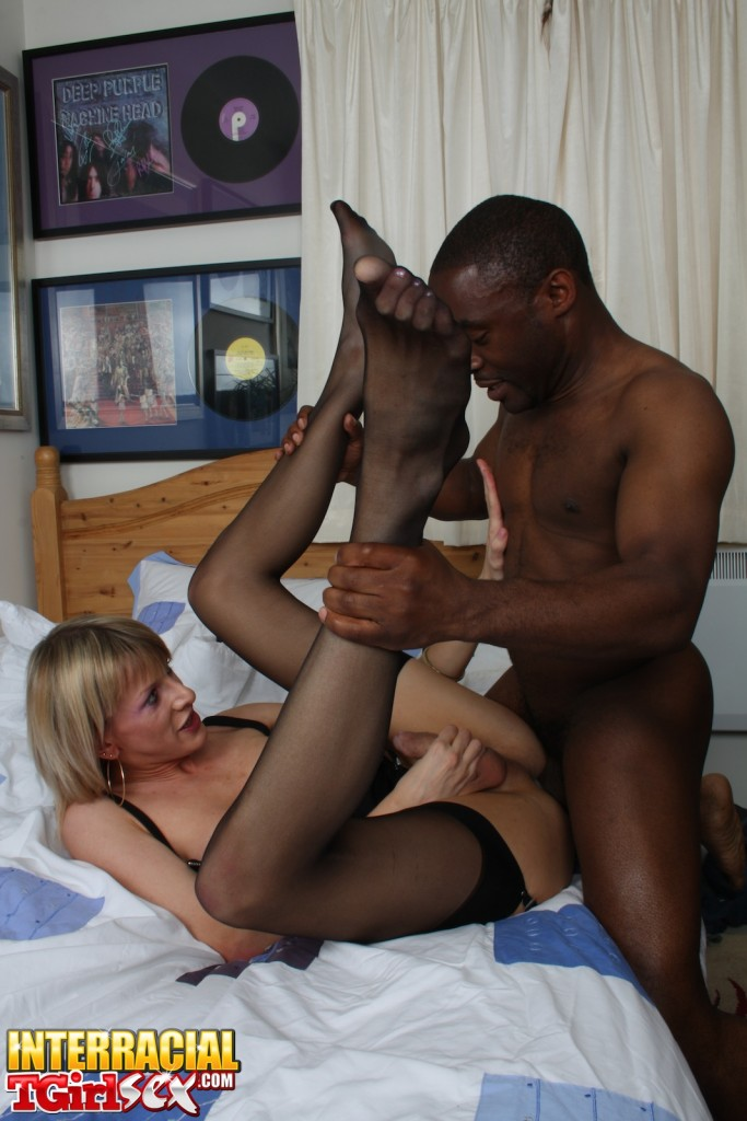 Interracial shemale fucks girl