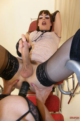 t zoe straponjane 04 Strap On Jane Fucking British Tgirl Zoe!