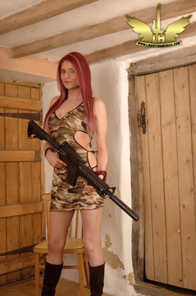 TS Liberty Harkness - Guns!