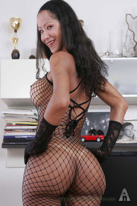 t annapaola anp 01 Italian Shemale Annapaola In Fishnet Bodysuit On ANP!