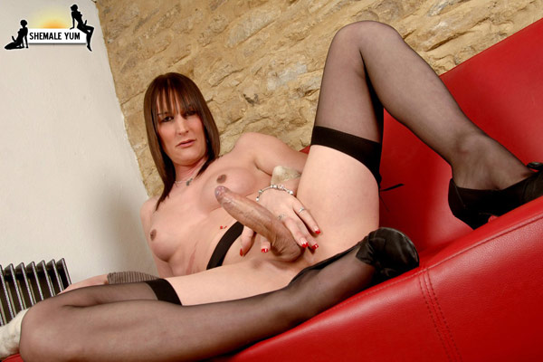 British Tgirl Jennifer English at Shemale Yum!