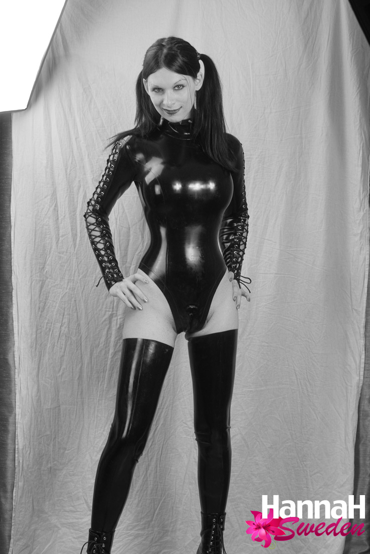 girl on girl dominatrix swedish