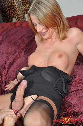 t sammi valentine tranzmania 04 British Tgirl Sammi Valentine Is Sexy In Lingerie On TranZMania!