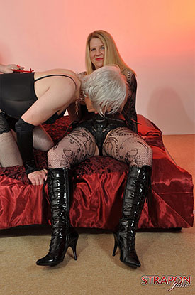 t strapon jane british tgirl 02 Strap On Jane And Her Girlfriend Use Their British Tgirl Slut!
