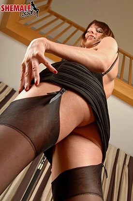 t british tgirls sammi valentine 01 British Tgirl Sammi Valentine In Stockings On Shemale XXX!