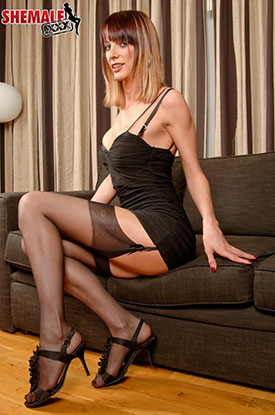 t british tgirls sammi valentine 02 British Tgirl Sammi Valentine In Stockings On Shemale XXX!