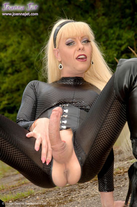t joanna jet black 03 British Tgirl Joanna Jet Goes All Black As Emma Peel!