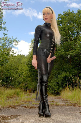 t joanna jet black 04 British Tgirl Joanna Jet Goes All Black As Emma Peel!