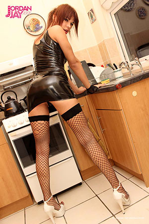 t jordan jay kitchen 02 British Tgirl Jordan Jay Is Sucking Some Kitchen Cock!