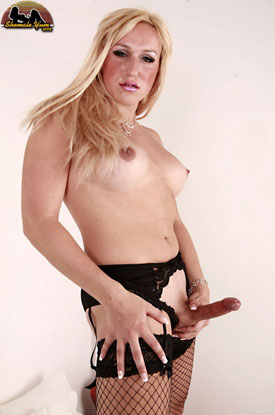 t melissa mendez british tgirls 04 Revisiting British Tgirl Melissa On Shemale Yum!