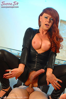 t british tgirl joanna jet 04 Sexy British Shemale Cougar Joanna Jet Is On The Prowl!