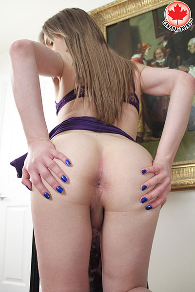 British Tgirls Blog presents Samantha on Canada Tgirl!